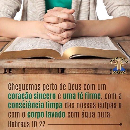 Hebreus 10:22